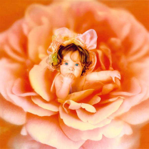 Холодно, с рождением доченьки открытка с ангелом