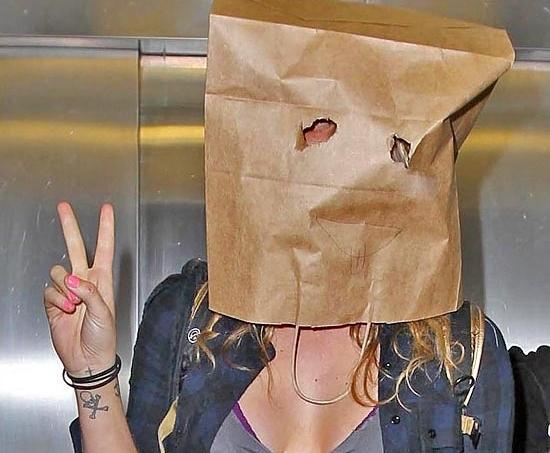 Видео скарфинга пластиковым пакетом на голове — 12