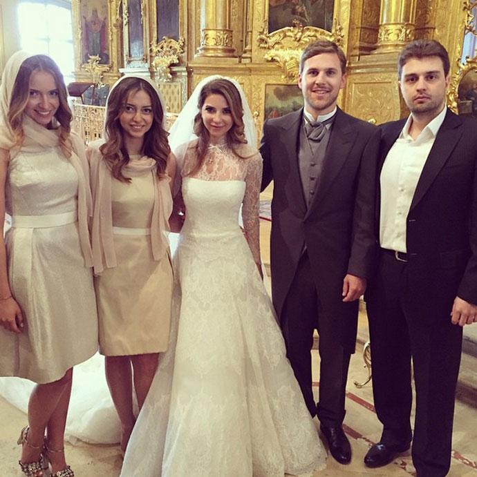 свадьба галина юдашкина и петр максаков фото званию, генерал